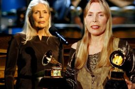 Folksinger Joni Mitchell has endured the symptoms of Morgellons for years.